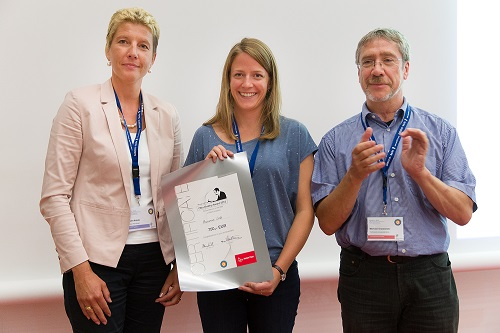 Marianne Liebi (centre) receiving the 2015 Kratky Prize